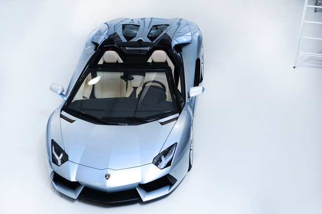 Nouvelle Lamborghini Aventador LP700-4 Roadster: 1ères photos officielles!