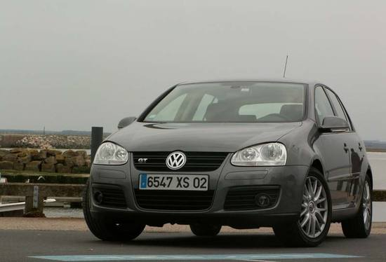 essai volkswagen golf gt 1 4 tsi plus par moins et inversement. Black Bedroom Furniture Sets. Home Design Ideas