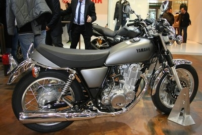 En direct du Salon de la Moto: Yamaha 400 SR.
