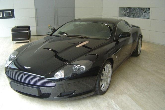 Aston Martin DB9 : un diamant est éternel