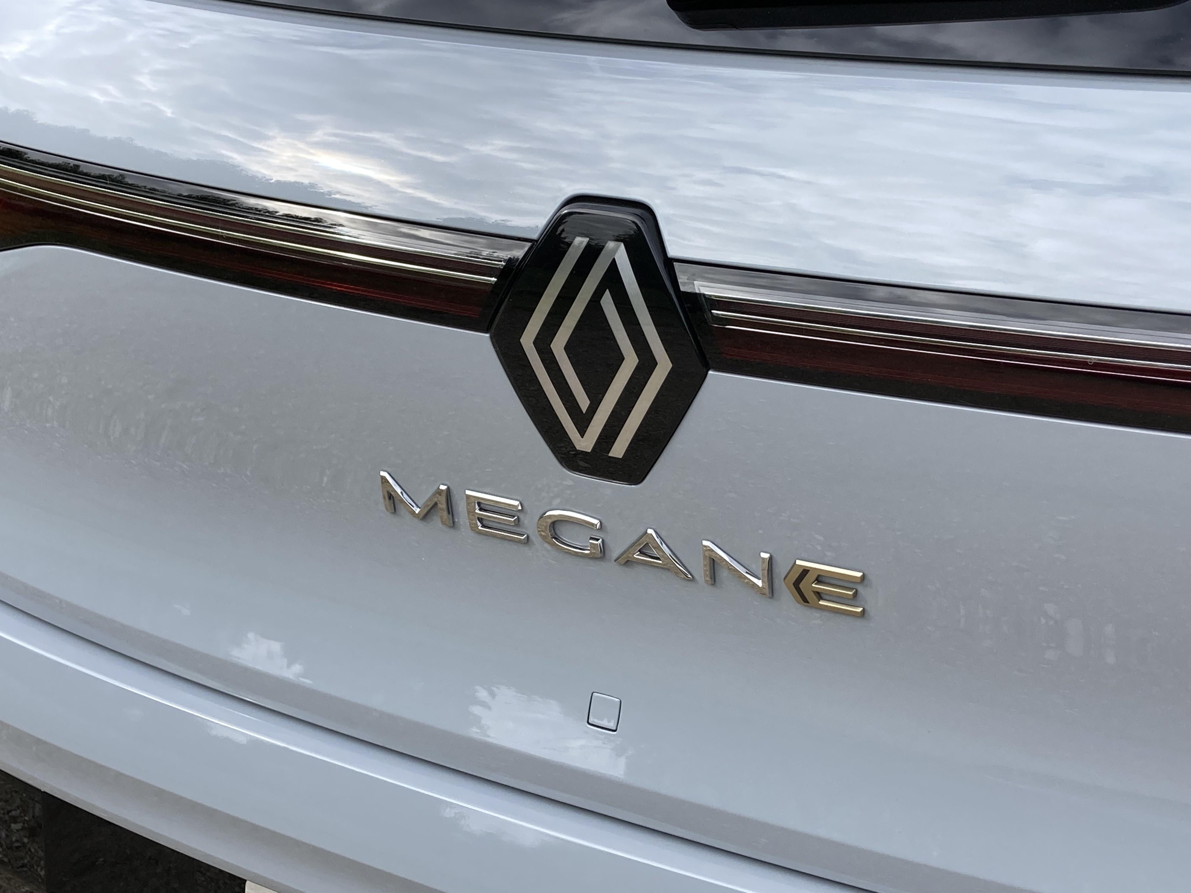 2021 - [Renault] Mégane E-Tech Electric [BCB] - Page 15 S0-comparatif-video-renault-megane-e-tech-electrique-vs-volkswagen-id-3-692858