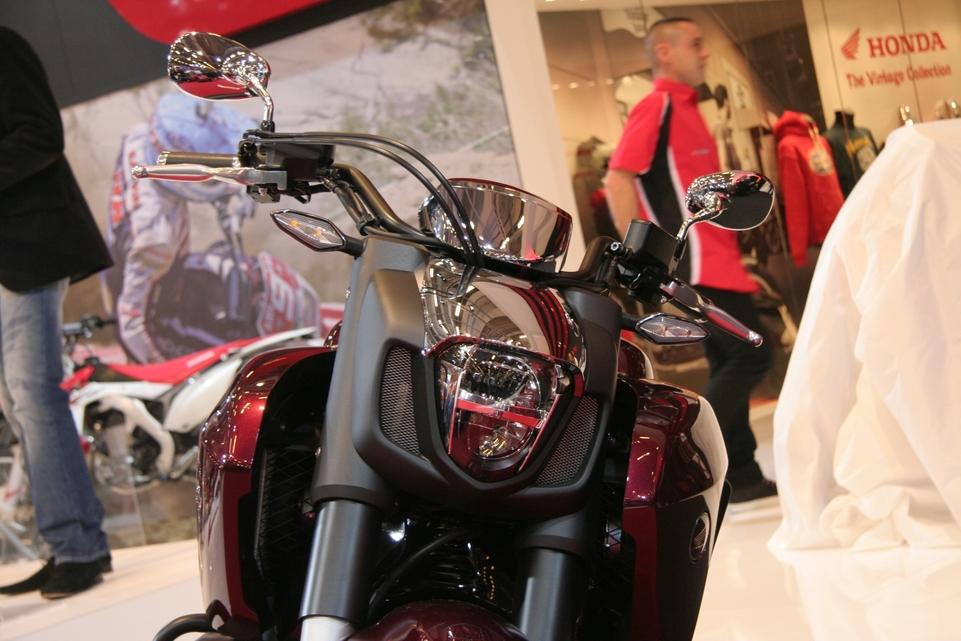 Vidéo en direct du salon de la moto : Honda F6C