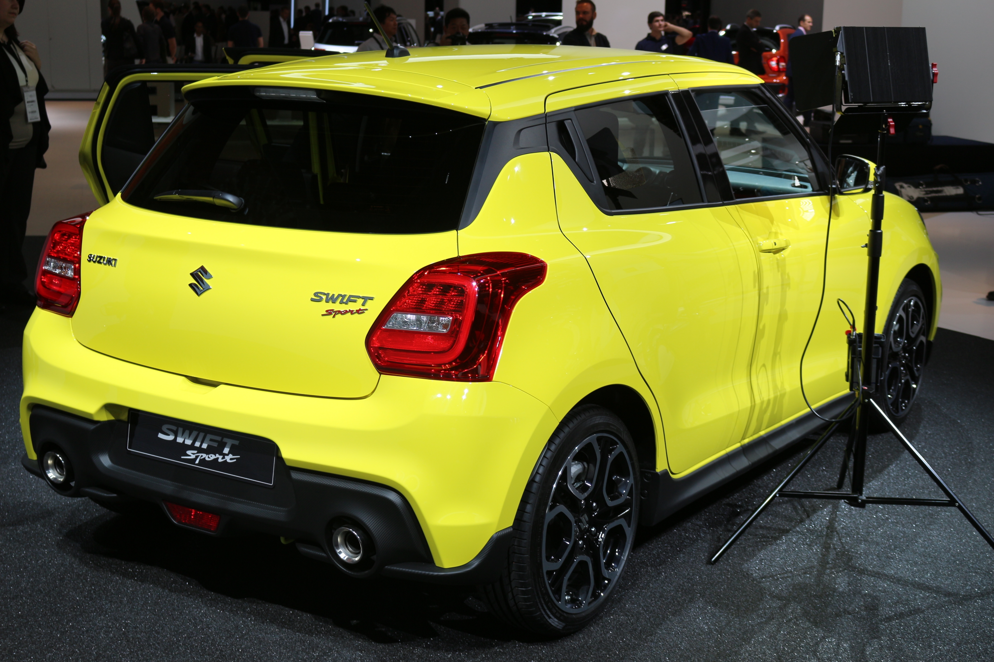 suzuki swift sport une vraie gti vid233o en direct du