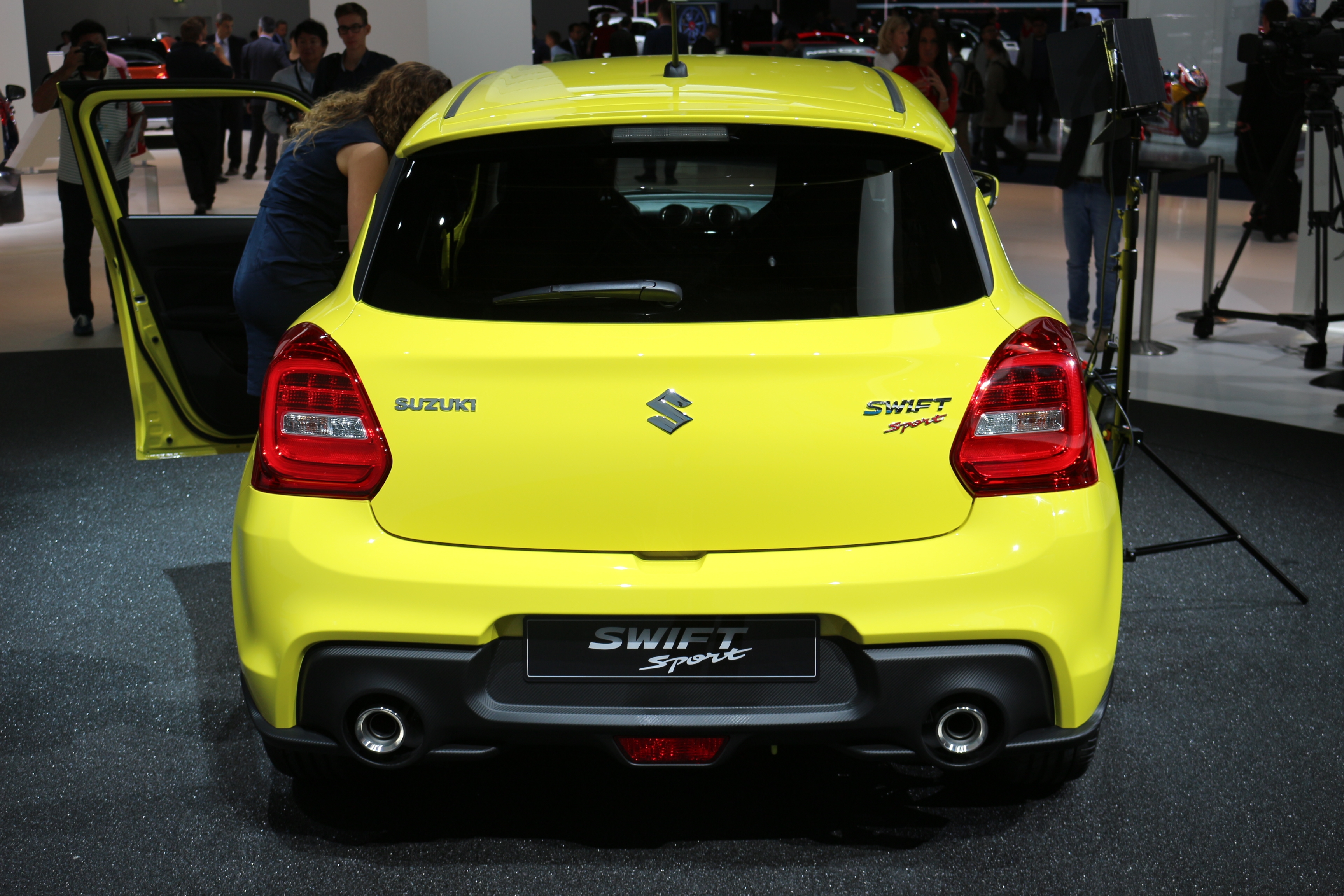 [Image: S0-salon-de-francfort-2017-suzuki-swift-...528800.jpg]