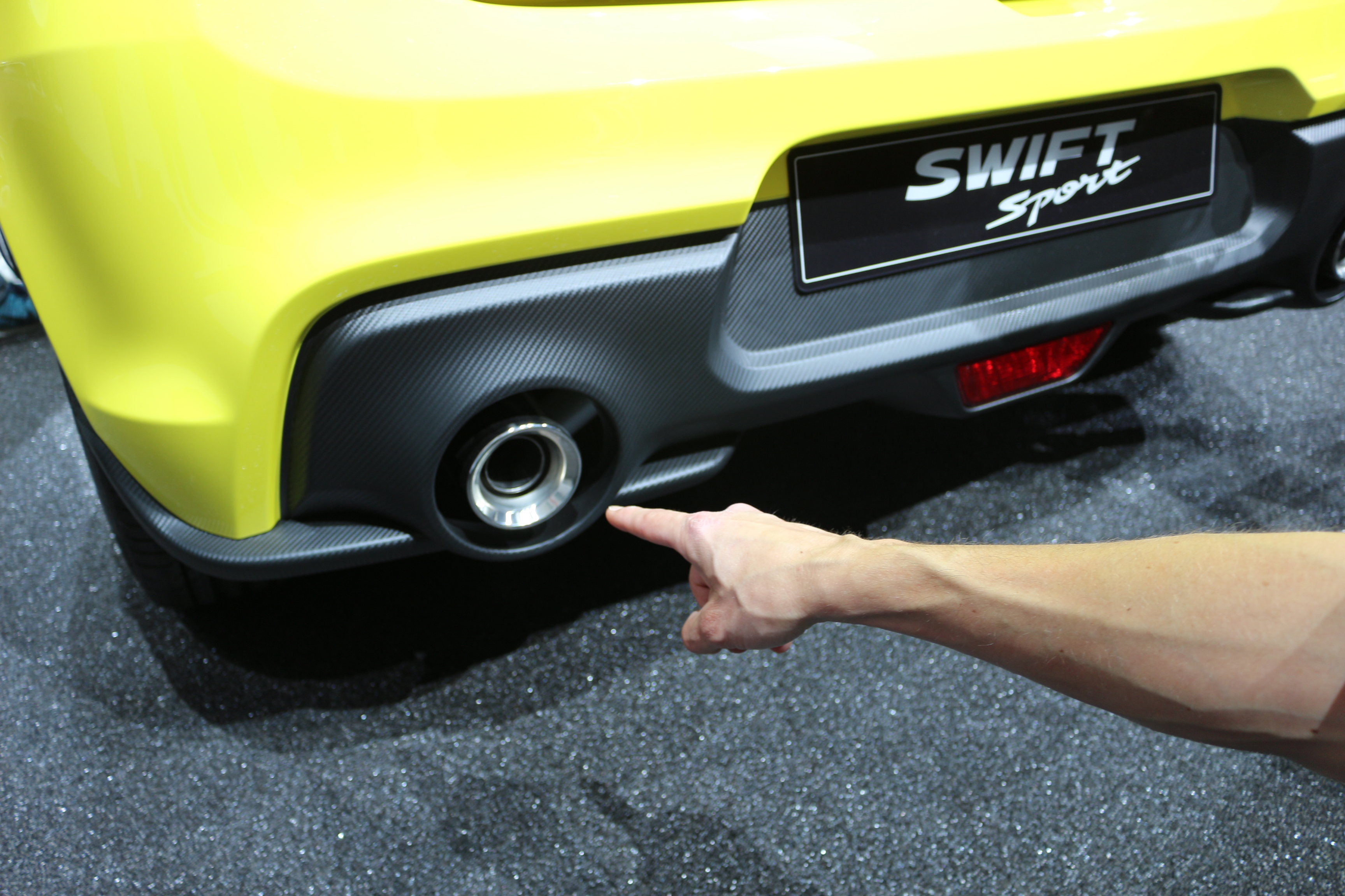 [Image: S0-salon-de-francfort-2017-suzuki-swift-...528807.jpg]