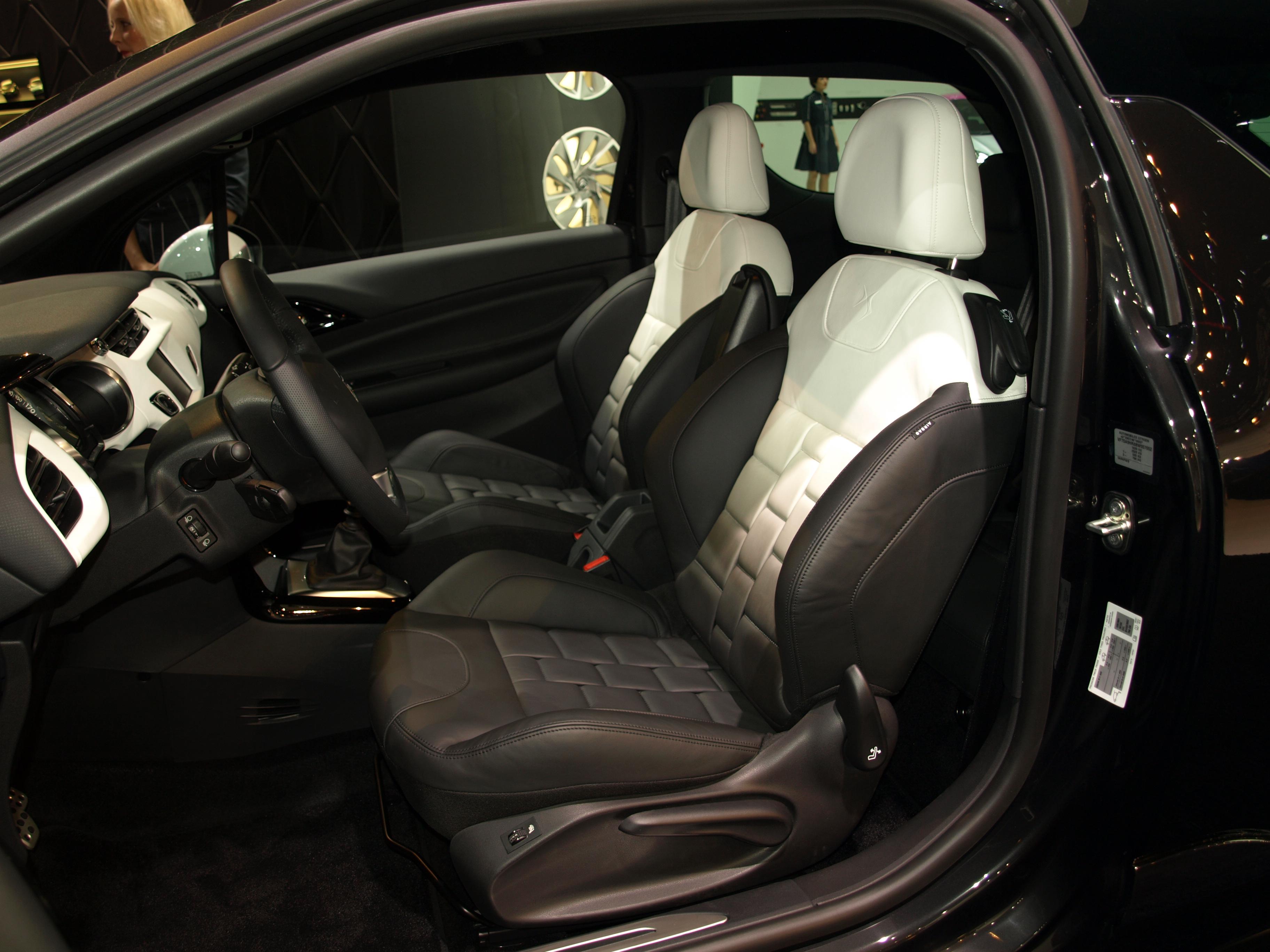 salon de francfort 2011 citro n ds3 ultra prestige fauteuil club. Black Bedroom Furniture Sets. Home Design Ideas