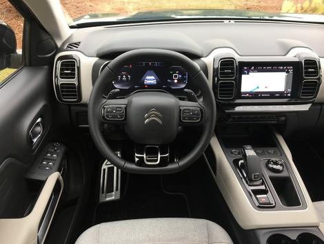Comparatif vidéo - Citroën C5 Aircross vs Volkswagen Tiguan : premier duel du SUV aux chevrons