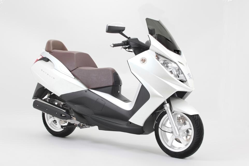 Nouveautés Scooters : Peugeot Satelis et Vivacity Roland Garros