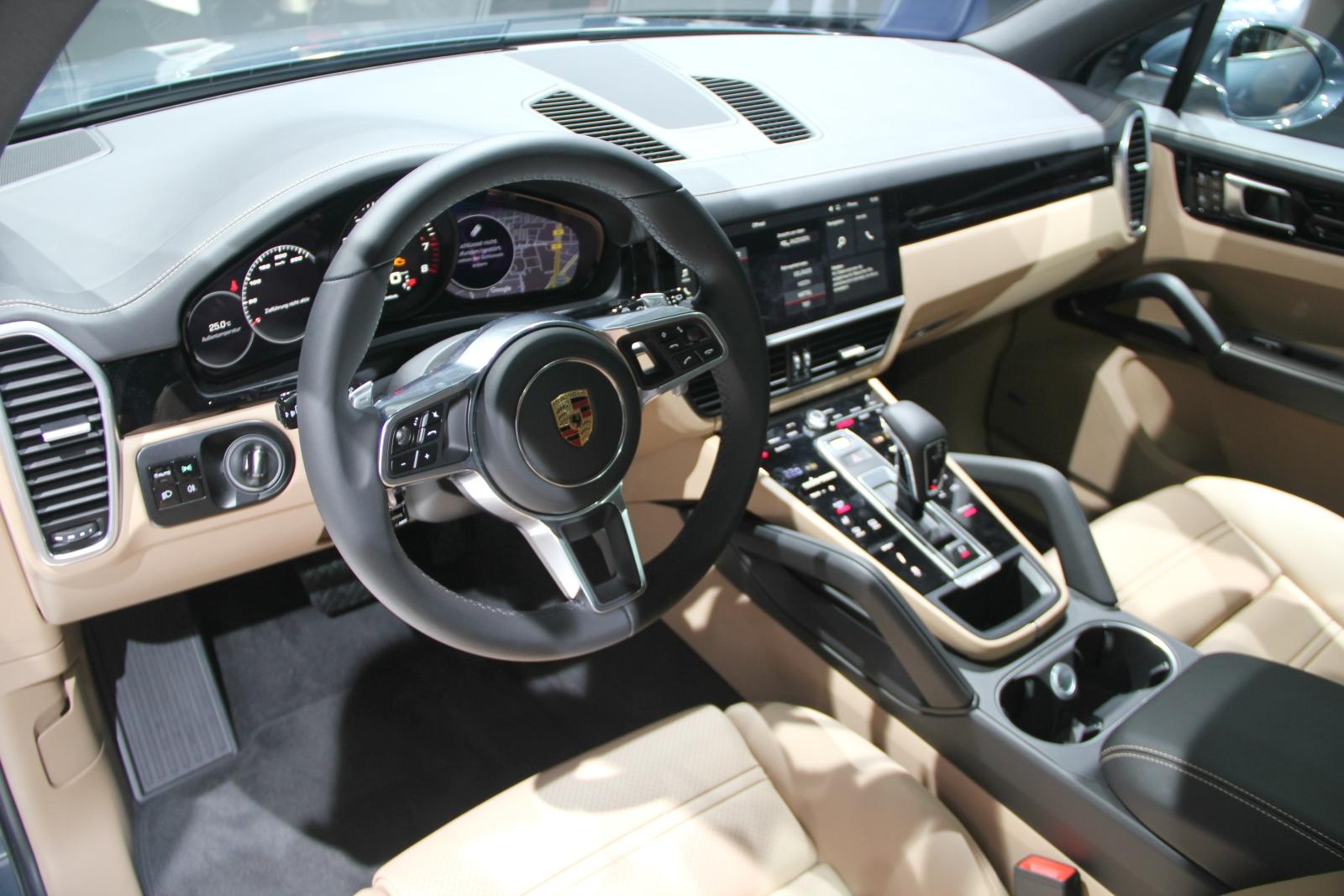 Porsche cayenne 3 un gros macan vid o en direct du for Concevoir un porche en ligne