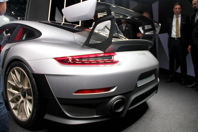 Porsche 911 GT2 RS : la plus puissante - en direct du Salon de Francfort 2017