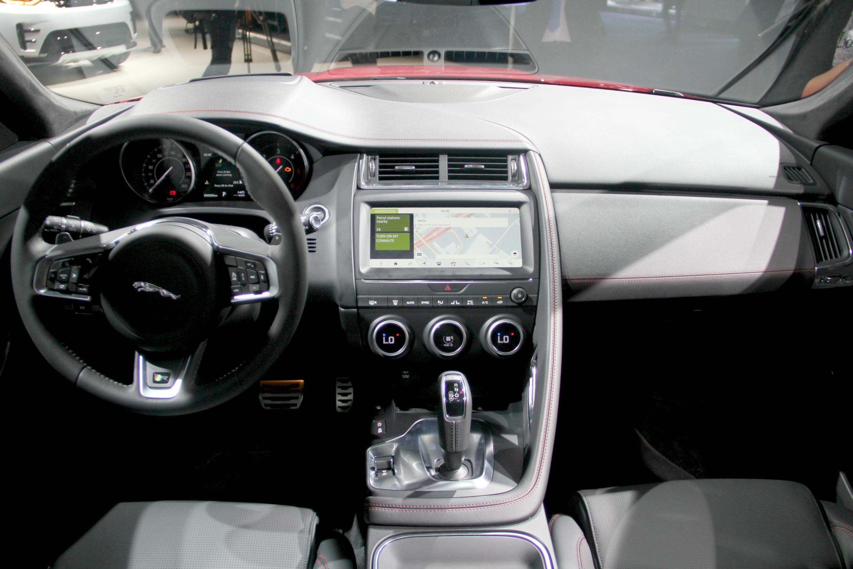 Jaguar e pace futur best seller vid o en direct du for Interieur jaguar e pace