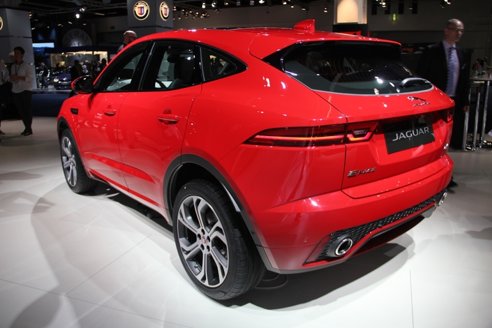 Jaguar E-Pace : futur best-seller - Vidéo en direct du Salon de Francfort 2017