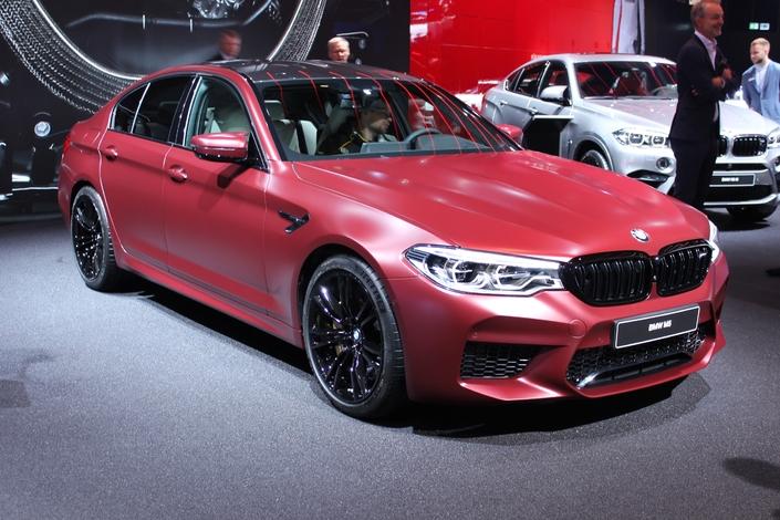 BMW M5 : bestiale - Vidéo en direct de Francfort 2017