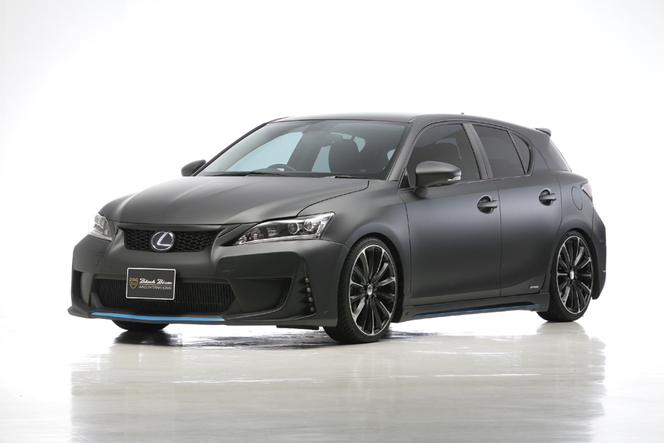 Wald International applique la Sports Line Black Bison à la Lexus CT200h