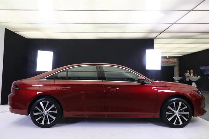 Peugeot dévoile une 508 inéditepour la Chine
