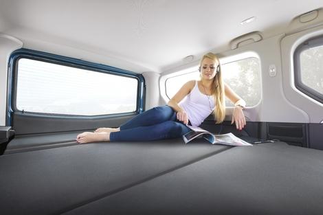 Salon de Francfort 2017 - Opel Vivaro Life: tente sur roues