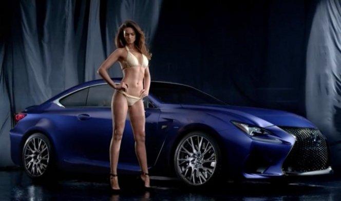 Lisalla Montenegro décoiffée par la Lexus RC F
