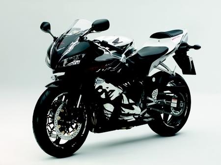 Nouveauté Honda 2010 : La CBR 600RR change de tenue