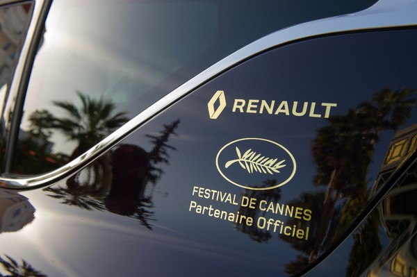 le renault espace devient voiture officielle du festival de cannes 2015. Black Bedroom Furniture Sets. Home Design Ideas