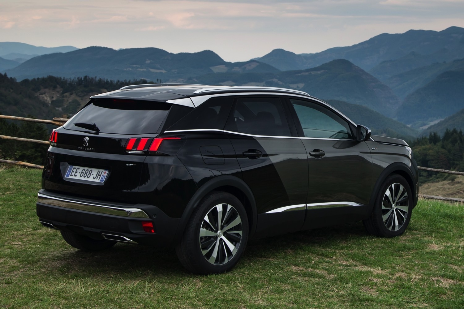 peugeot 3008 4x4 all new peugeot 3008 suv is available to order in december voiture 4x4 suv. Black Bedroom Furniture Sets. Home Design Ideas