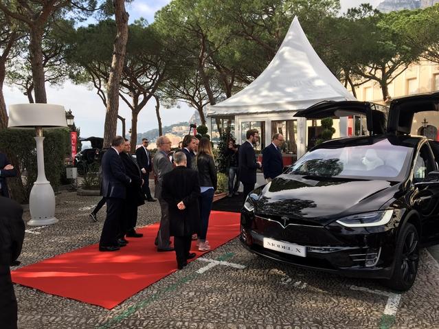 Tesla Model X et S - Vidéo en direct du salon de Monaco 2017