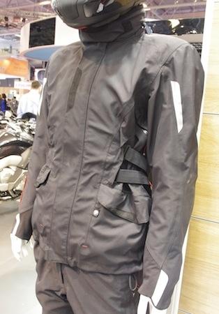 En direct du Salon de la Moto 2013: BMW côté équipement