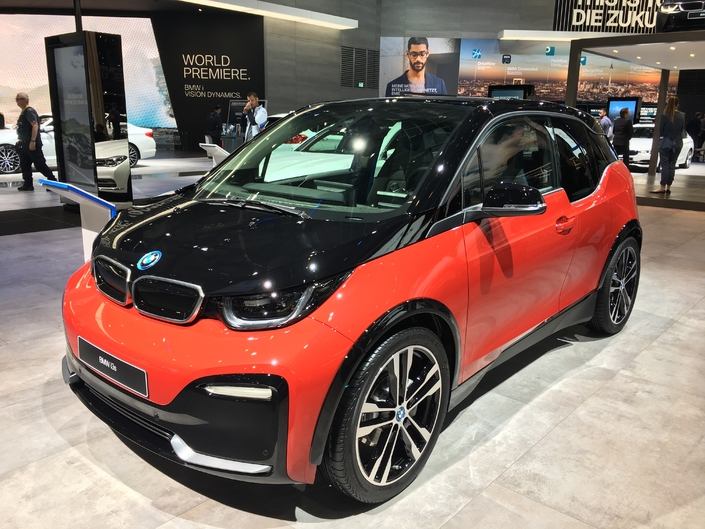 bmw i3 restyl e fun vid o en direct du salon de francfort 2017. Black Bedroom Furniture Sets. Home Design Ideas