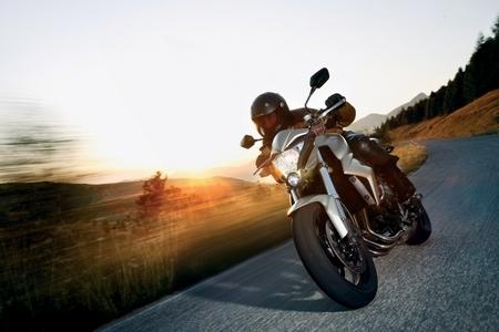 Nouveauté Honda 2010 : Deux nouvelles teintes pour la CB 1000R