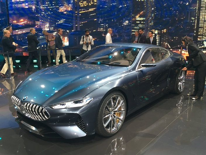 BMW Concept Serie 8 : le retour -Video en direct de Francfort