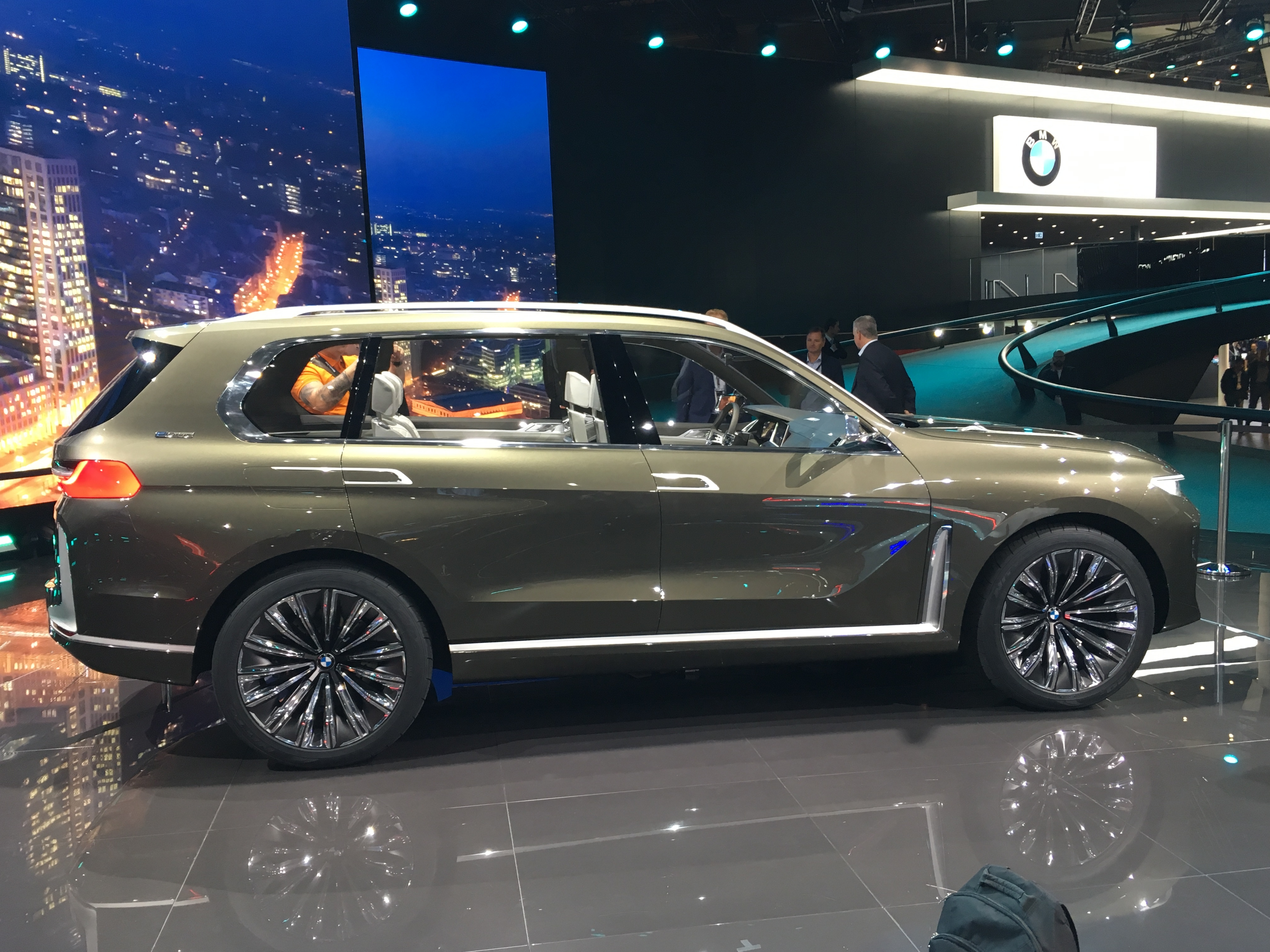 Bmw X7 Concept Costaud Vid 233 O En Direct De Francfort 2017
