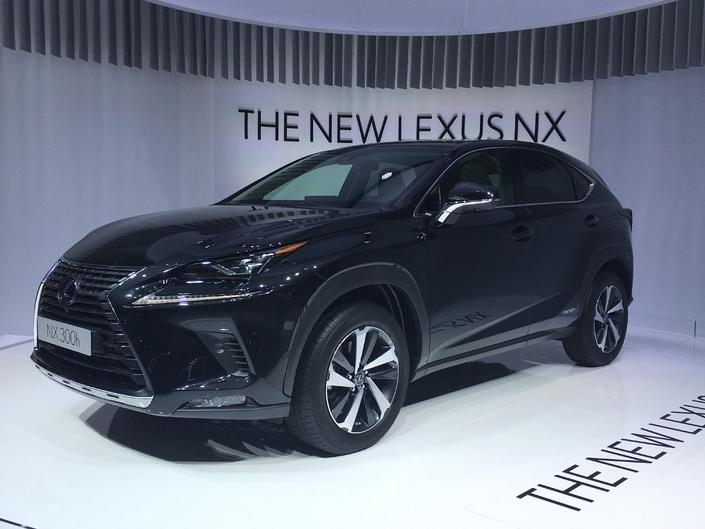 Lexus NX restylée : du mieux - Vidéo en direct du salon de Francfort