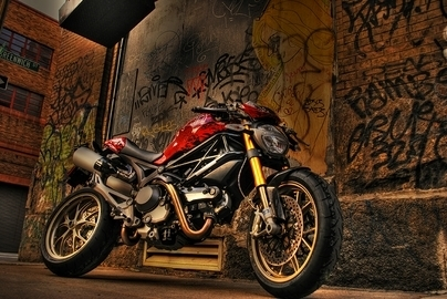 """DUCATI Monster 1100 S """"Tuning"""" Challenge concessionnaires US"""