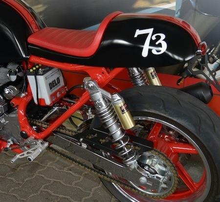 Seven Fifty Cafe Racer Boite A Air