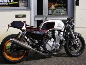 Reportage: Louis-Moto s'occupe de la Honda Seven Fifty pour en faire un Café Racer