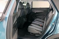 La deuxième rangée de sièges est accueillante et bénéficie d'une modularité poussée.