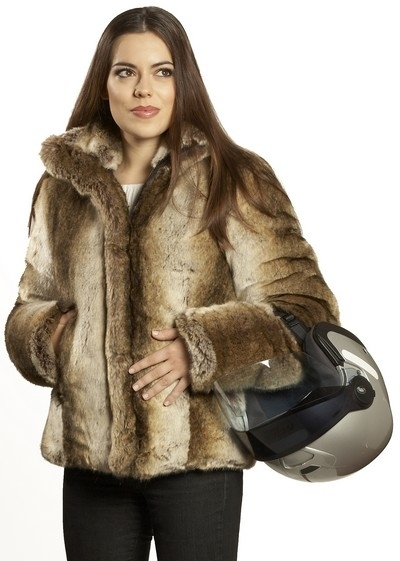 Pacale Molina propose une veste décalée pour les filles: la Vanoise.