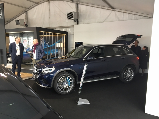 Le stand Mercedes - Vidéo en direct du salon de Monaco 2017