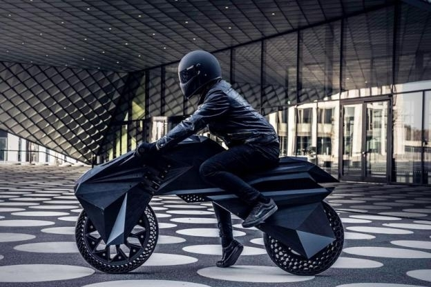 Nera: la première moto électrique née d'une imprimante 3D