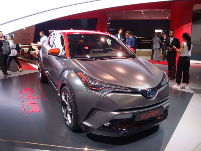 Toyota C-HR Hy-Power : maquillage - En direct du Salon de Francfort 2017