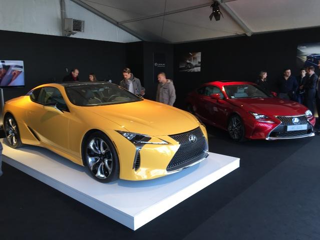 Le stand Lexus - Vidéo en direct du salon de Monaco 2017