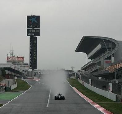 Formule 1 - Test Barcelone: Rosberg par un temps de chien