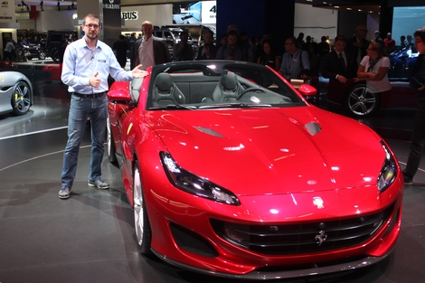 J'aime le style de cette dernière Ferrari. Comme rarement j'ai aimé au demeurant. L'équilibre des lignes, la couleur Rosso Portofino, la ligne toit en place, j'adore tout !