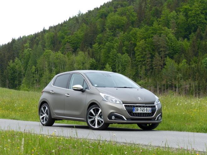 La Peugeot 208 restylée arrive en concession : enfin en tête ?