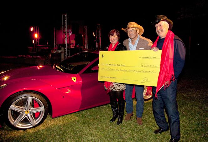 1,125 million de $ pour la première Ferrari F12 américaine