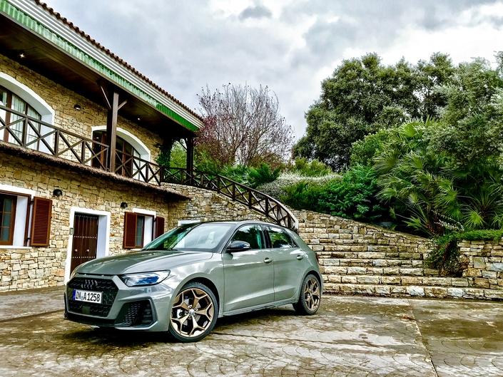 Prise en mains vidéo - Audi A1: concentré de premium