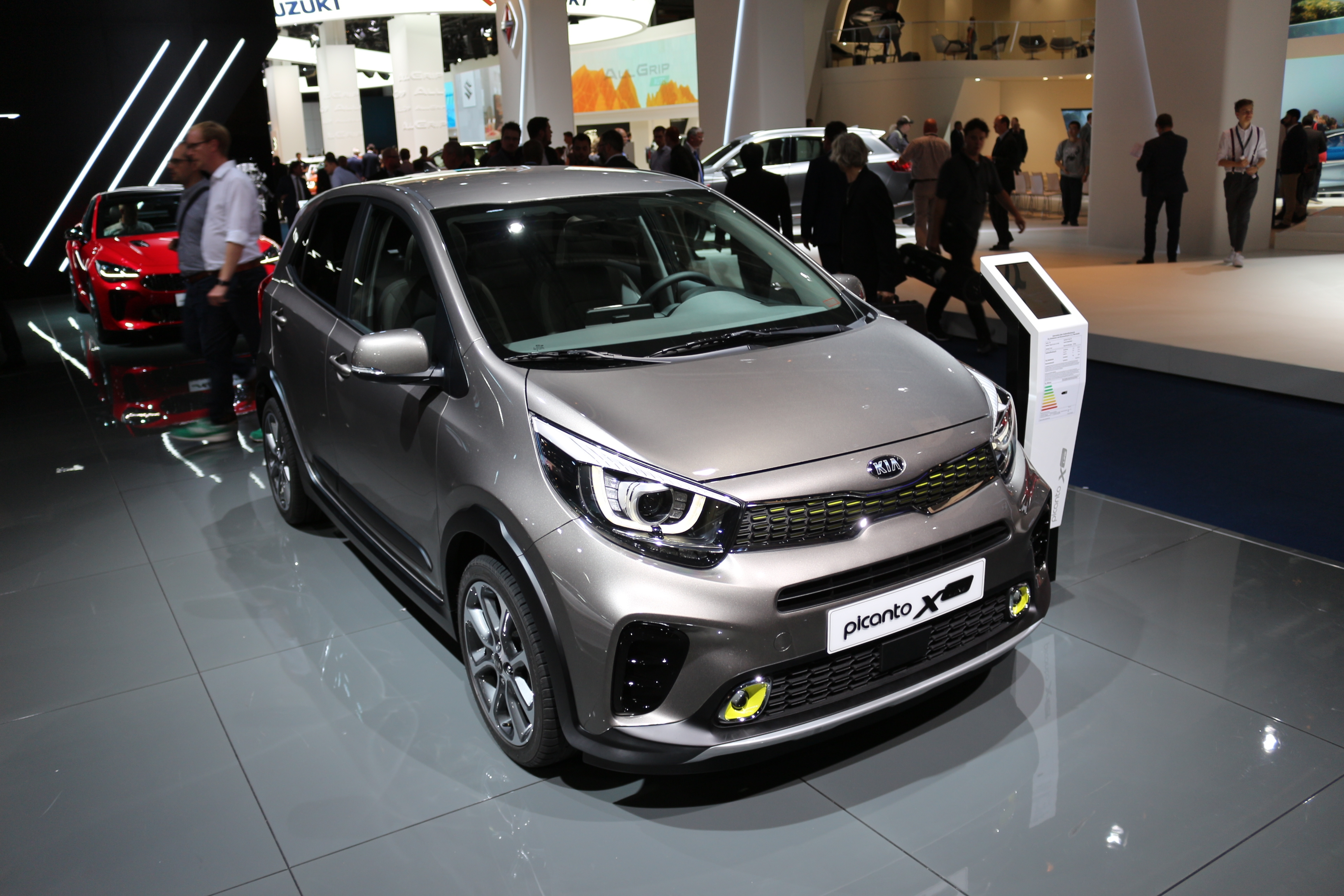 kia picanto x line style suv vid o en direct du salon. Black Bedroom Furniture Sets. Home Design Ideas