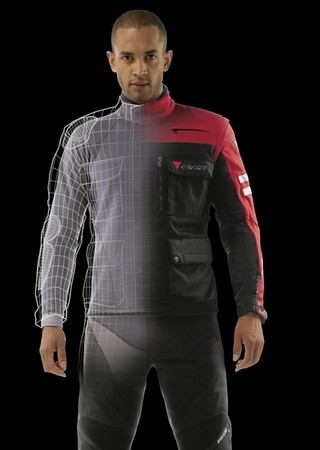Dainese vous offre un Top Map Therm.
