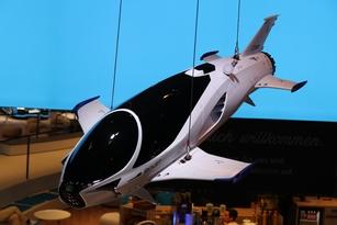Chez Lexus, une miniature du Skyjet de Valerian vu dans le film éponyme de Luc Besson.