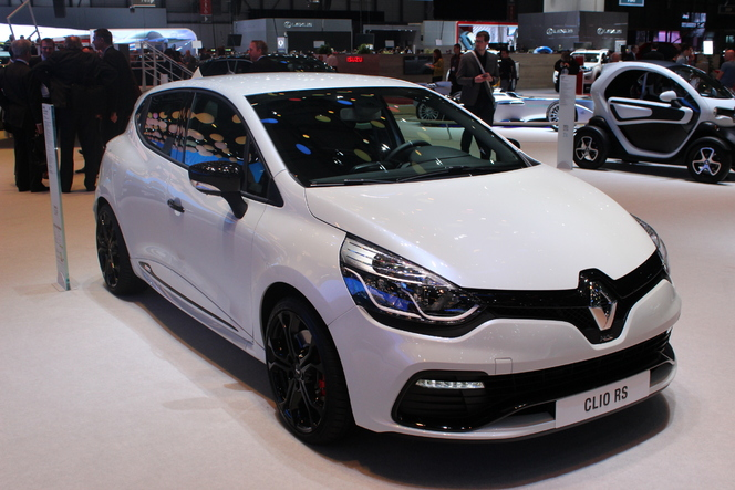 vid o en direct de gen ve 2014 renault clio rs200 edc monaco limit. Black Bedroom Furniture Sets. Home Design Ideas