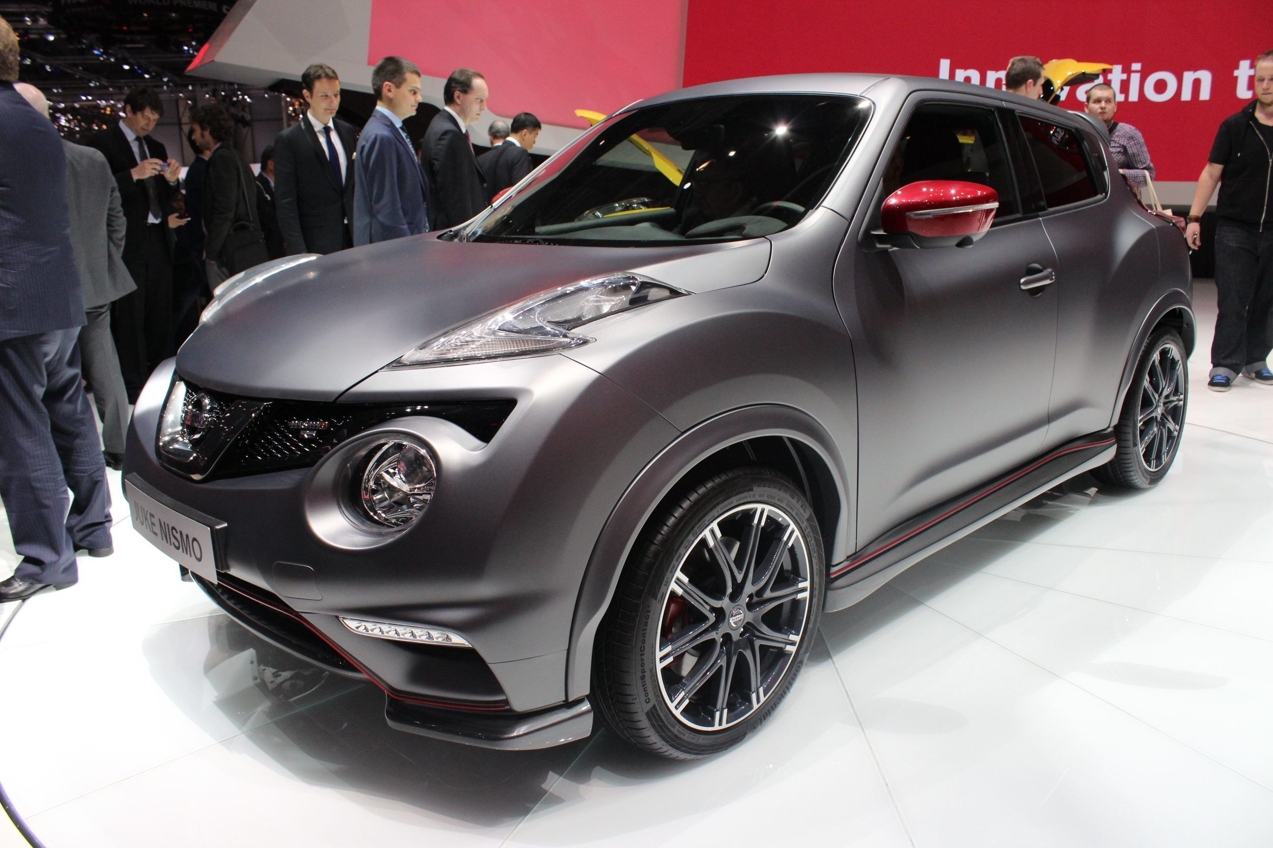 vid o en direct de gen ve 2014 nissan juke nismo rs monsieur plus. Black Bedroom Furniture Sets. Home Design Ideas